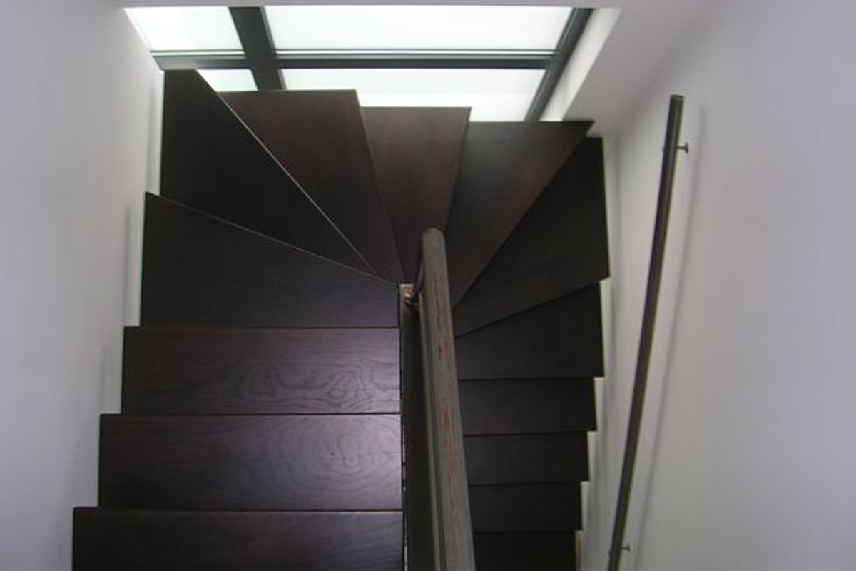 Ikea woonkamer design - Metalen trap design hout ...